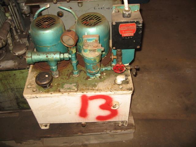 13. Hydraulik agregat -  2x0,78kw  220-380volt