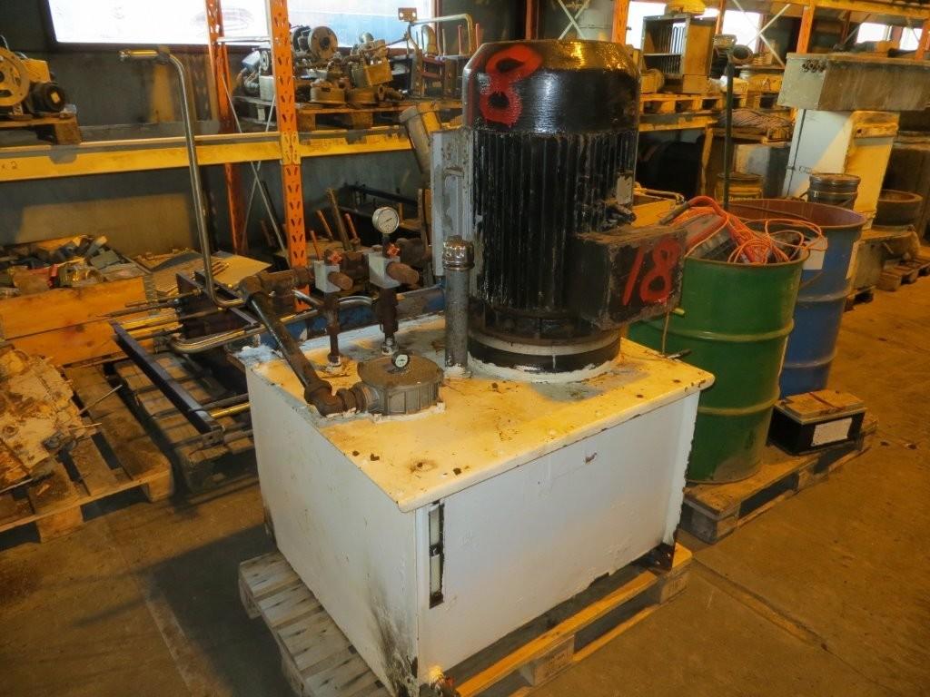 18. Hydraulik agregat - 53kw  230/400v