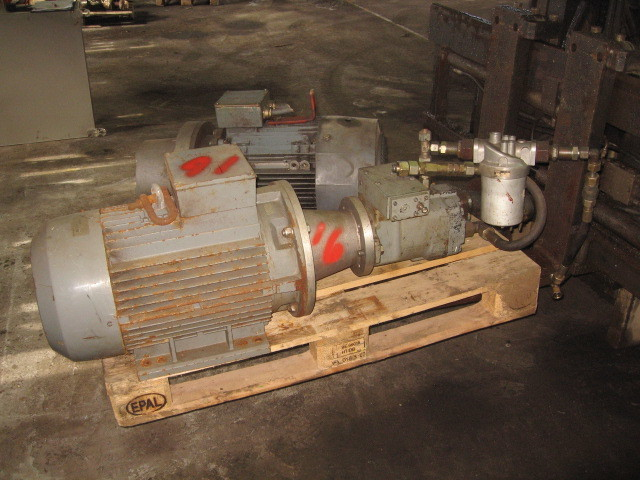 16. Hydraulik pumper - Oil gear PVWH 34RSAY CNN