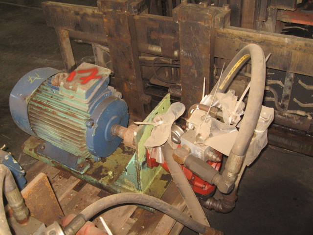 17. Hydraulik pumper - Variabel 70500-335C