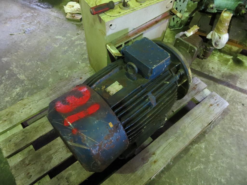 31. Hydraulik pumper - Casappa  KP30.27DO-83E3