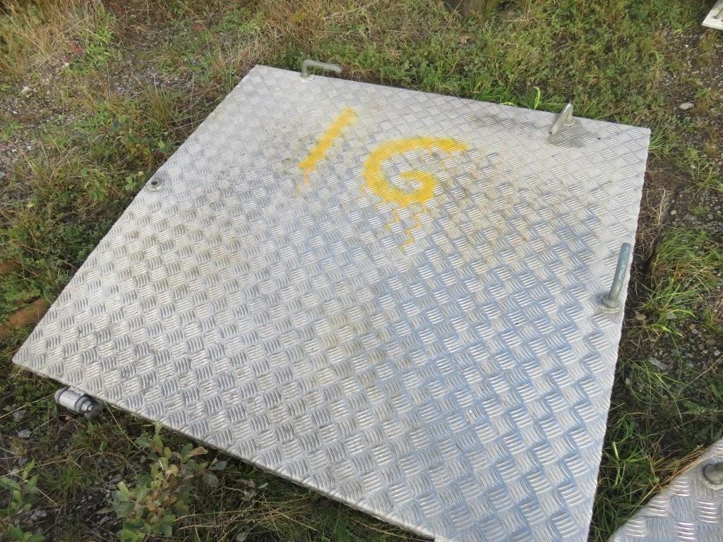 16. Luker , Nedganger & Skap - 120x120 alu/stålkarm