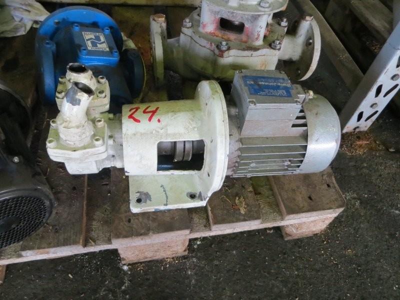 24. Pumpe, Brann-Lense-Spyle - Albin 4-1V ca 1kw  1