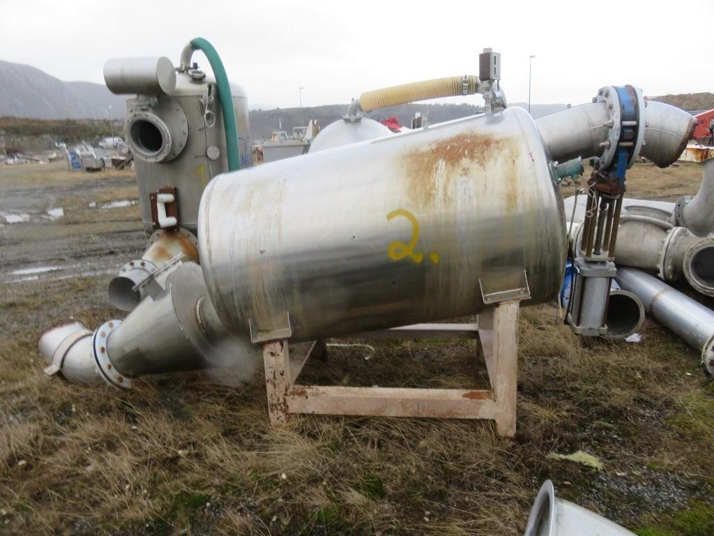 2. Vakumtanker og ventiler - ca 1400 liter, 100x180cm