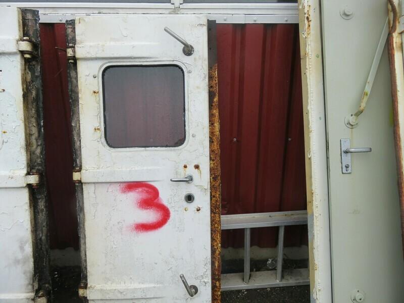 3.Dører m/ Ramme   Lysåpning 61 x 157    stål/ GF