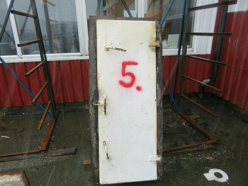 5.Dører m/ Ramme        Lysåpning 48 x 143    stål/ stål