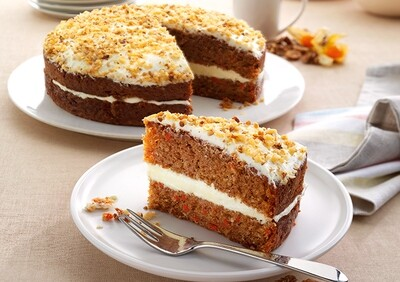 Handmade Carrot Cake (14 Slices)