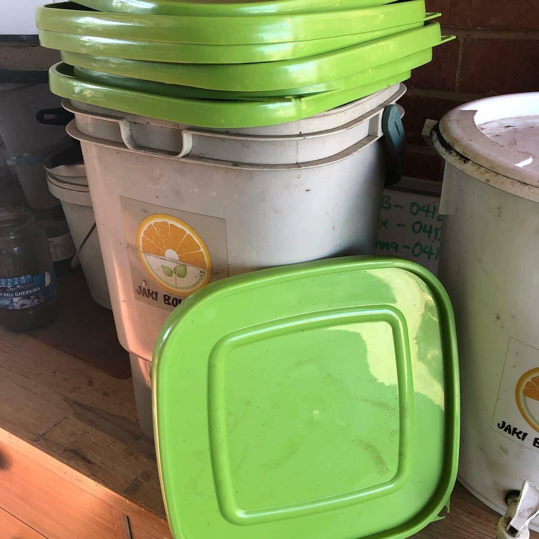 Square bucket lid 00002