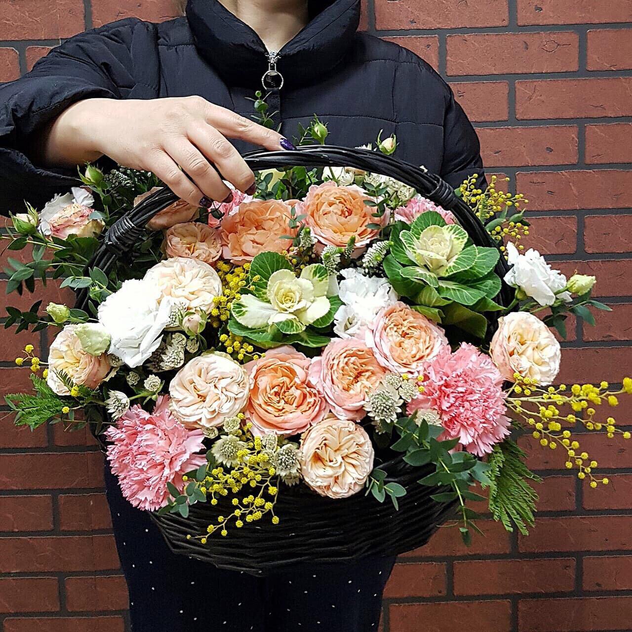 Цветы в корзине Экзотика