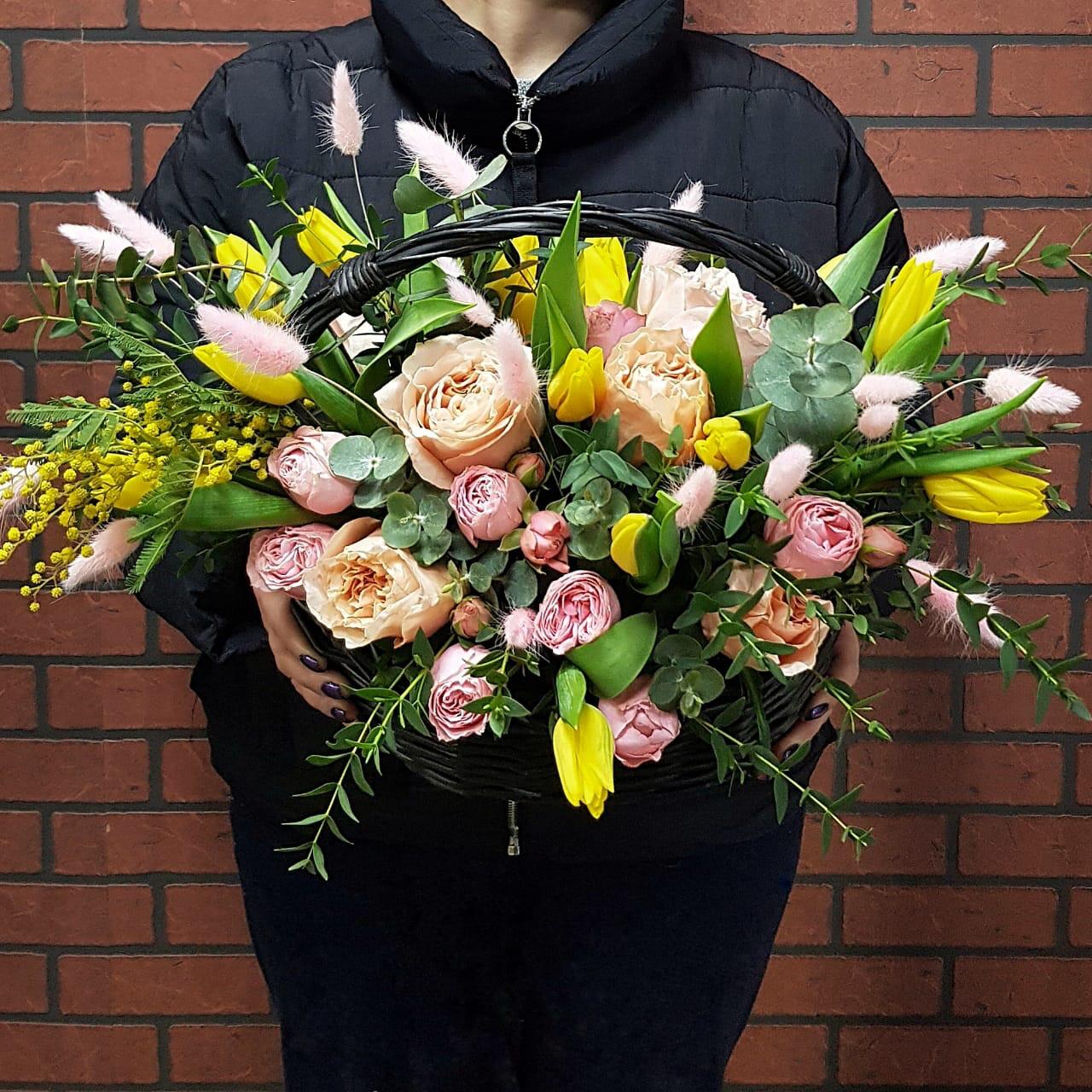 Корзина Весенний Парад цветов