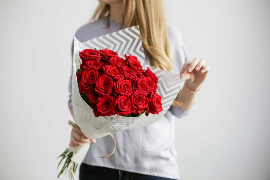 Букетик Роза Ред Наоми Премиум