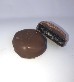 Salted Caramel Oreo Cookie - 1 pc