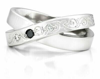 French Kiss Deux—Silver/1 Black Diamond