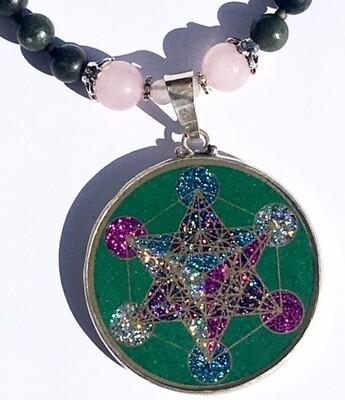 Colar Grande Geometria Sagrada Cubo de Metatron (malaquita verde e selenite)
