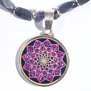 Colar Pequeno Geometria Sagrada Sahasrara 7 Chakra (turmalina preta e cuarzo))