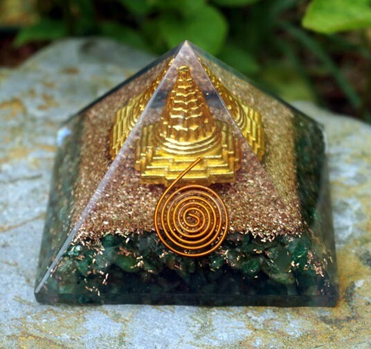 Orgone Pyramid with Sri Yantra in Green Aventurine