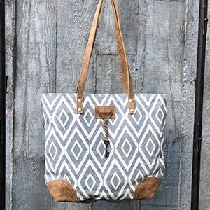 Double Diamond Tote Grey/ White
