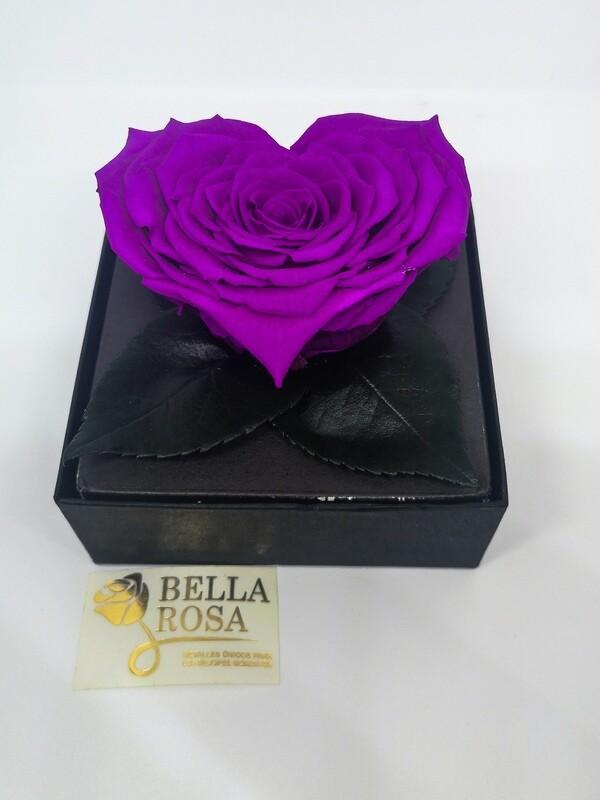 Rosa Preservada Morada en Forma de Corazón