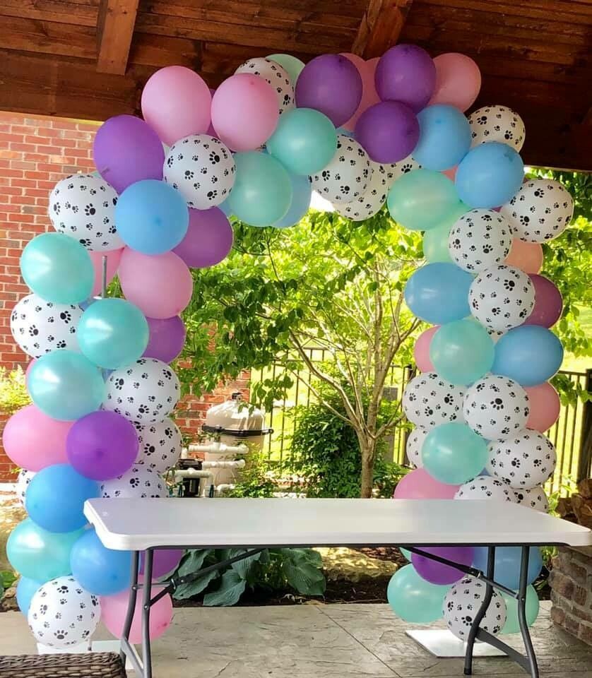 Balloon Arch With Paw Prints