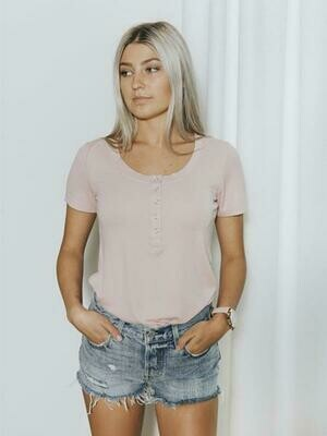 BASIC By PRIV Chaser Henley Short Sleeve In Rose Mint