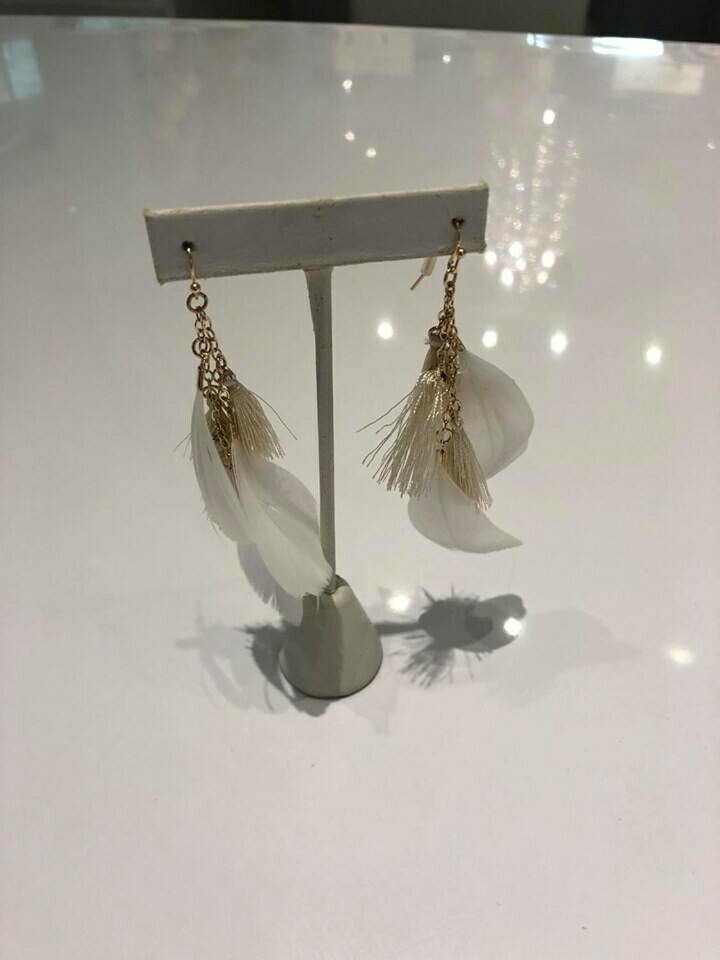 Jackie Z Drop Feather Earrings In White