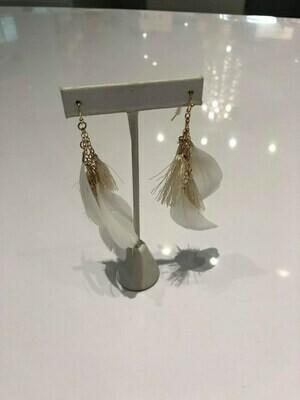 Jackie Z Drop Feather Earrings In White