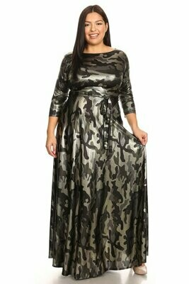 New Style ***Printed, metallic, maxi dress in a loose fit with a round neckline, 3/4 length sleeves, side pockets, waist tie belt, and plea