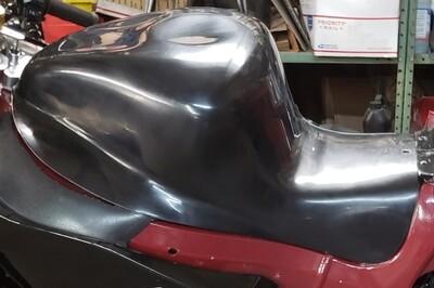 Hardcore Hayabusa Stingray Style Tank Shell for NON Cut Rail Forward Seat Position