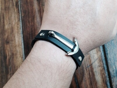 Anchor bracelet black