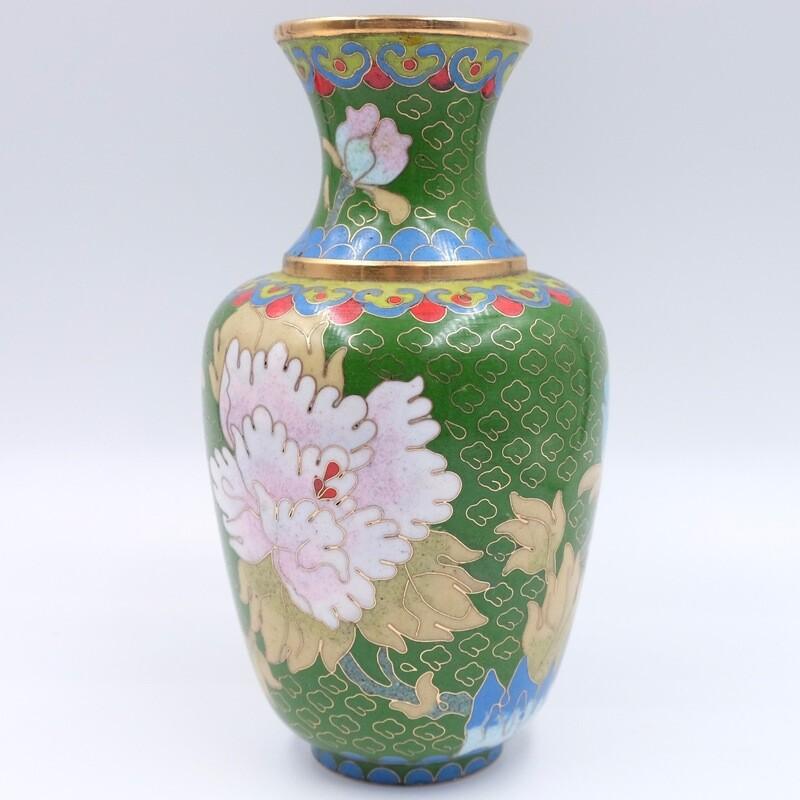 Миниатюрная ваза зеленого цвета в технике Cloisonne 1960-е