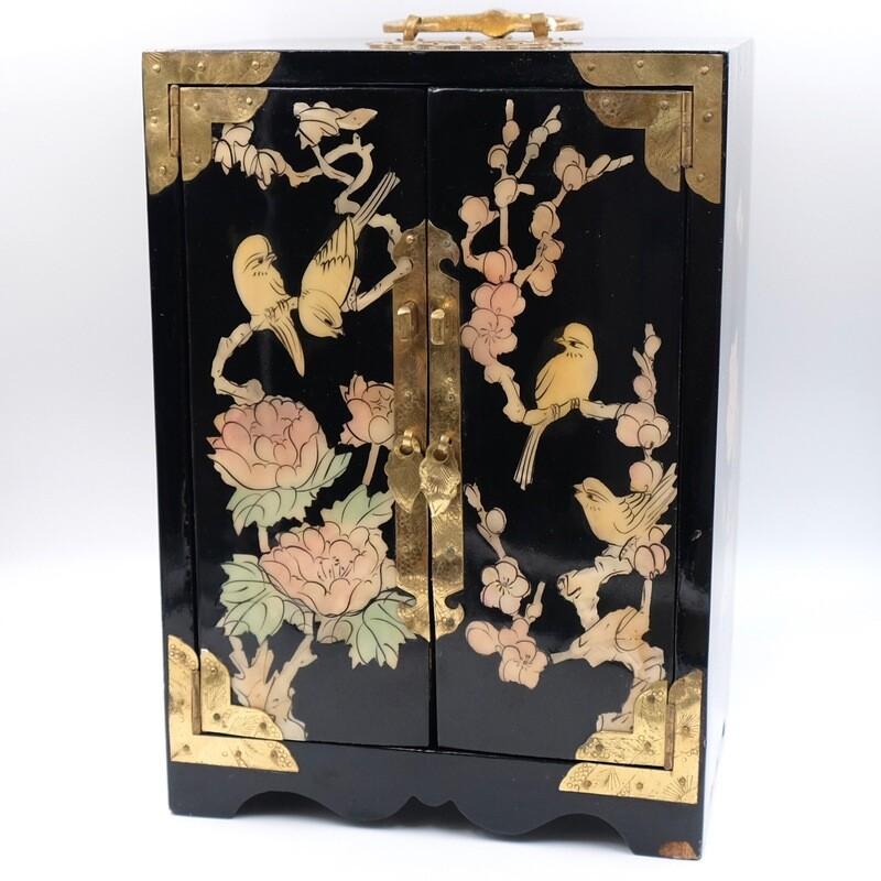 Японская лакированная шкатулка для хранения 1930-е