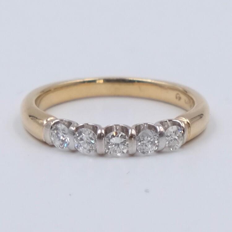Кольцо из золота 585 пробы с 5 бриллиантами 0.5 карата размер 18 1970е