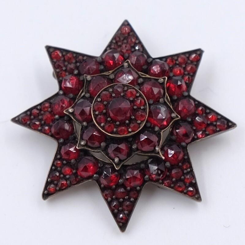 Антикварная Викторианская брошь Звезда из гранатов 1890е