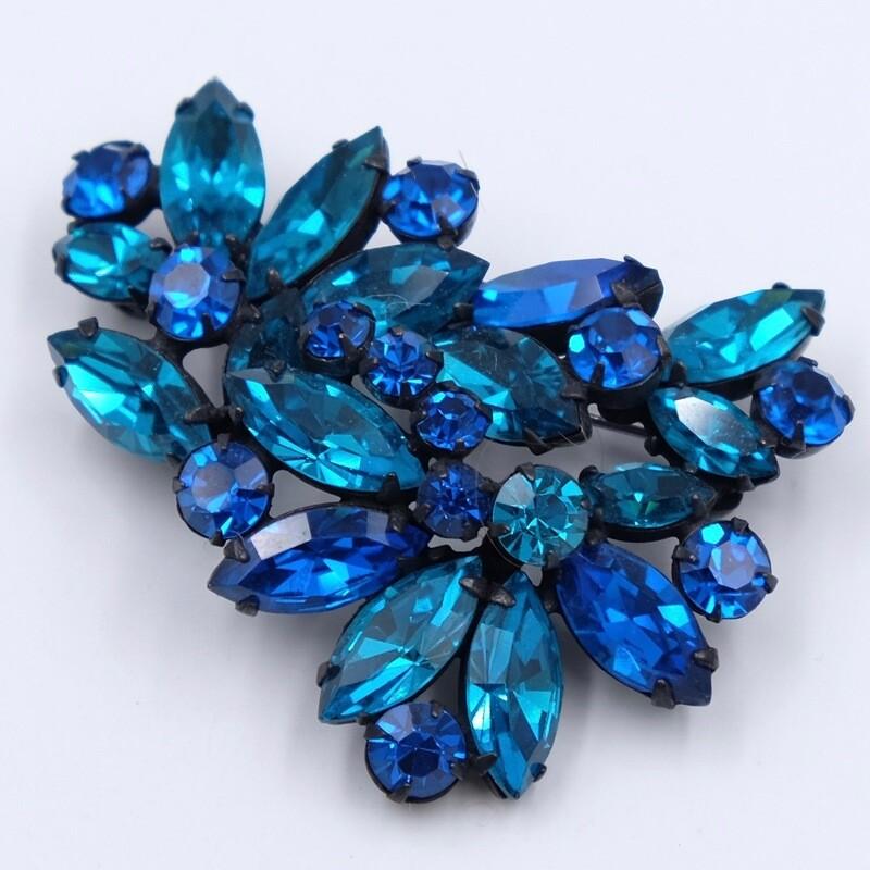 Винтажная брошь Regency глубокого синего оттенка 1950е