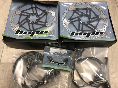Hope Tech 3 E4 Brake Set.