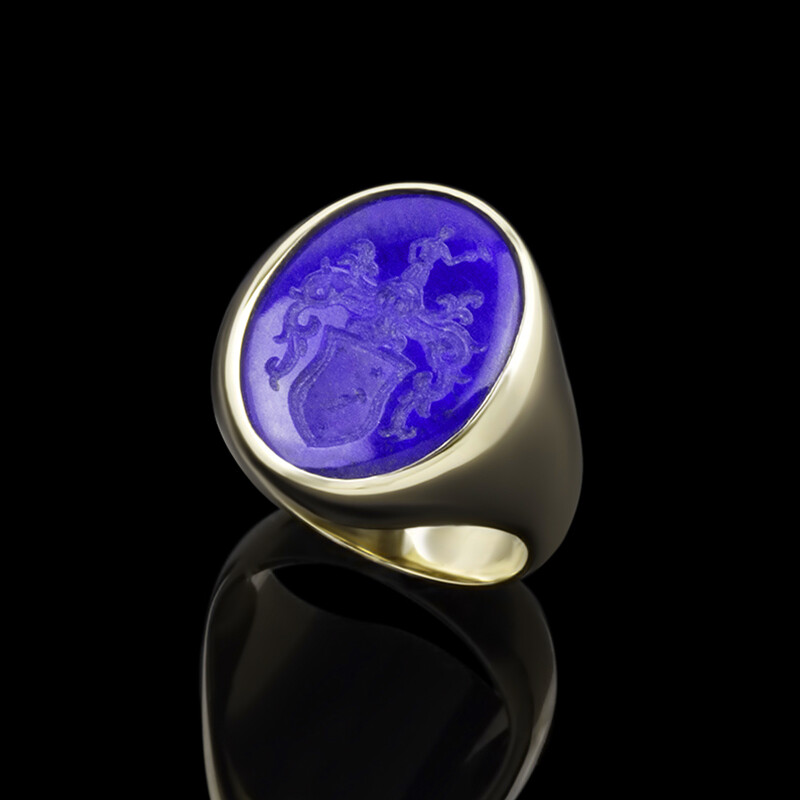 Lapis Lazuli Crest Ring for a Man in 14kt Gold-Solid back
