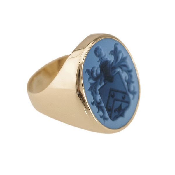 Family Crest Ring in Layered Agate in 18kt Gold-Open back