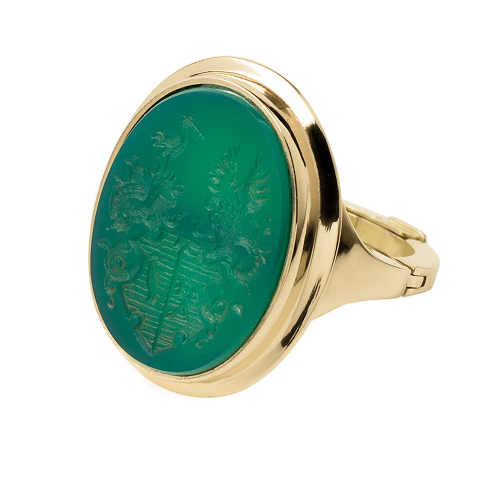 Adjustable Crest Ring for Arthritic Fingers in Green Quartz