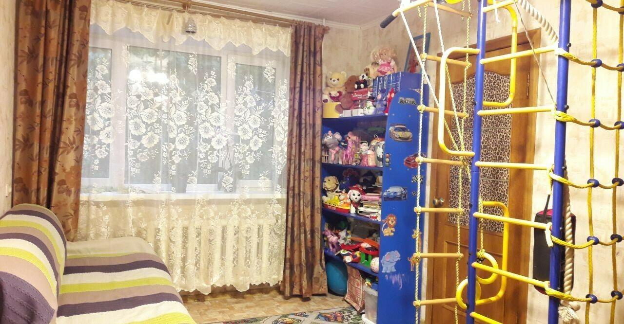 Квартира 4-х комнатная в Климовске, Симферопольская 15