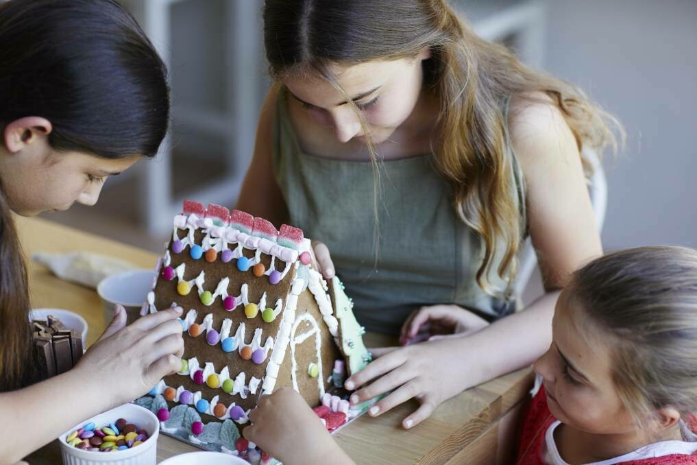 Gingerbread House Workshop - Friday 20th December (9am to 12pm)