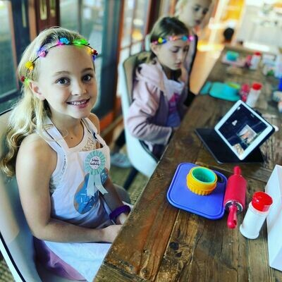 ONLINE CUPCAKE DECORATING PARTY