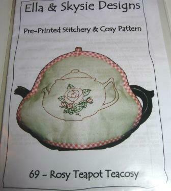 Ella & Skysie Designs Rosy Teapot Teacosy (069)