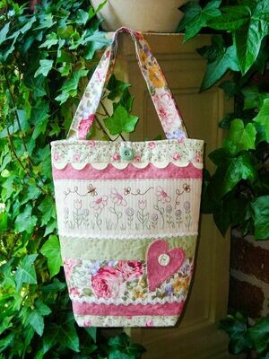 The Rivendale Collection Ric Rac & Blooms Bag
