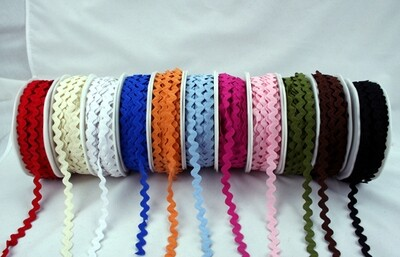 Trim Ribbon - Ric Rac 11mm White w. Blue