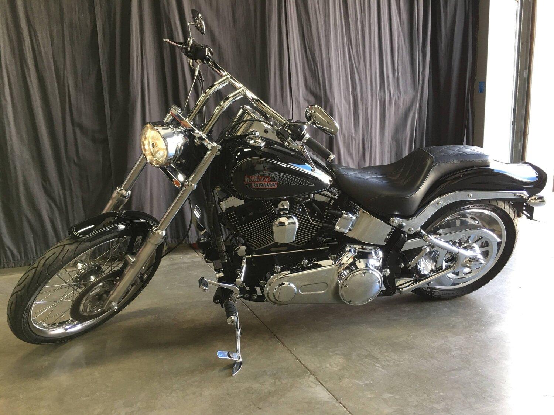 2009 Harley-Davidson FXSTC Softail Custom Black