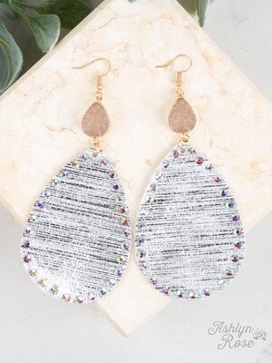 Metallic White Pendant & Druzy Earring