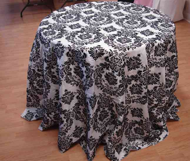 "Taffeta Flocking Tablecloth (132"" Diameter, White/Black) 00023"