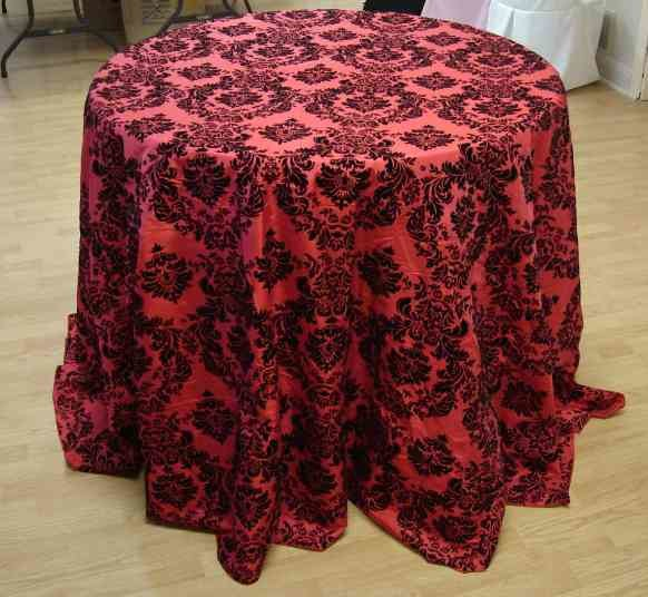 "Taffeta Flocking Tablecloth (132"" Diameter, Red/Black)"