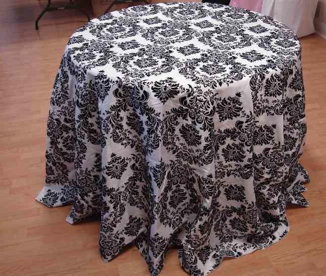 "Taffeta Flocking Tablecloth (132"" Diameter, White/Black)"