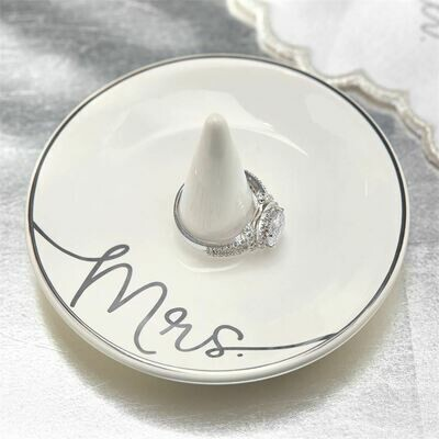 Mrs Ring Dish By Mudpie
